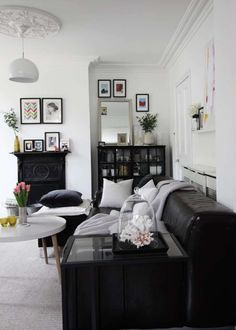 My 5 best vintage finds and tips what to buy | scandi decor ideas | monochrome living room