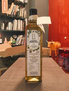 Aceite de Oliva Virgen Extra de la empresa Almazara Barcha para las que realizamos el diseño de las etiquetas.