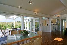 Kundenhaus - Osterseen | Wohnbereich mit Blick auf Terasse | Finden sie mehr Informationen zu diesem Kundenhaus auf http://www.davinci-haus.de/haeuser-standorte/kundenhaeuser/osterseen/