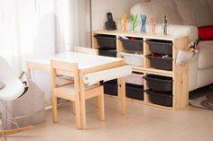 Craft corner by Tigriteando Trofast Ikea, Baby Playroom, Activity Room, Diy Home Decor Easy, Playroom Design, Creative Walls, Craft Corner, Kids House, Cool Rugs