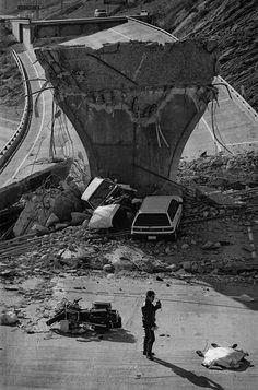 Northridge Earthquake: Photos from 1994 shut the f. Up Close, wow what drugs are we on Earthquake Damage, Earthquake And Tsunami, Natural Phenomena, Natural Disasters, Northridge Earthquake, Tornados, San Francisco Earthquake, San Fernando Valley, California History