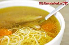 Heldere kippensoep van hele soepkip recept