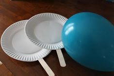 Keeping it Simple: Indoor Kids Game Idea: Balloon Ping Pong {Kids Craft} Yes.