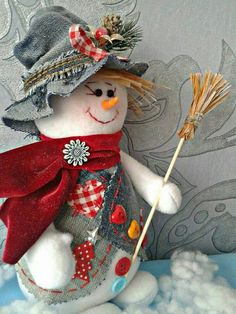 1 million+ Stunning Free Images to Use Anywhere Snowman Christmas Decorations, Christmas Crafts For Gifts, Snowman Crafts, Christmas Snowman, Christmas Stockings, Craft Gifts, Cute Crafts, Diy And Crafts, Homemade Ornaments