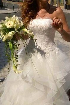 Vend robe de mariee bustier brodé magnifique couleur ivoire acheté cette année pour notre mariage le 08 aout 2015 acheté 2200 euros chez pronovias