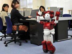 Hitachi's new version of humanoid robot 'EMIEW 2'