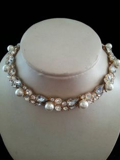 Retro pearl rhinestone on gold