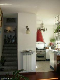 Monolocale su due livelli - Via Tanaro, Milano http://www.home-lab.org/it/abitazioni?view=property&id=121:bilocale-due-livelli-milano