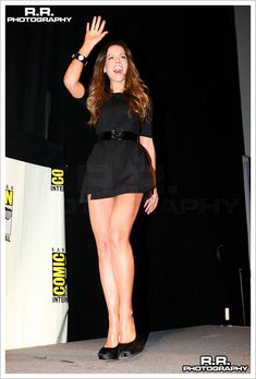 Kate Beckinsale Omg those legs. Kate Beckinsale Hot, Kate Beckinsale Pictures, Kate Winslet, Pearl Harbor, Sexy Hot Girls, Beautiful Celebrities, Hollywood Actresses, Sexy Legs, Underworld
