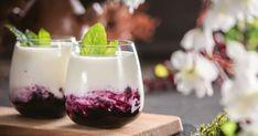 Malinové pyré s tvarohom a bielou čokoládou Coffee Cocktails, Agar, Medicinal Herbs, French Country Decorating, Pavlova, Tiramisu, Panna Cotta, Pudding, Ethnic Recipes