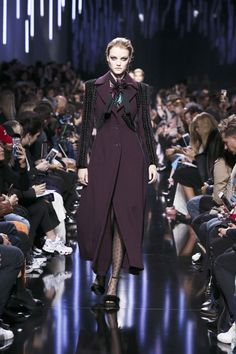 ELIE SAAB Ready-to-Wear Autumn Winter 2017-18 Collection