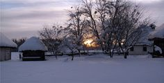Украинская зима. Закат 3 ( этнографический музей Пирогово)