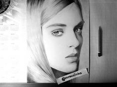 "Polubienia: 139, komentarze: 18 – @mrscalinka na Instagramie: ""Finished 😊 Art supplies: @kohinoor_hardtmuth_polska @kohinoor_hardtmuth #art #sketch #portrait…"""