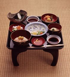 本膳料理 (Honzen Ryori) Honzen Ryori is one of the three basic styles of Japanese cuisine and a highly ritualized form of serving food, in which prescribed dishes are carefully arranged and served on legged trays.