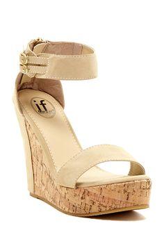 Carrini Ankle Strap Wedge Sandal//