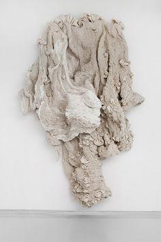 Les sculptures textiles d'Hanne Friis. If you love fabric art! Textile Texture, Textile Fiber Art, Textile Artists, Texture Art, Sculpture Textile, Soft Sculpture, Art Fibres Textiles, Smart Textiles, A Level Art