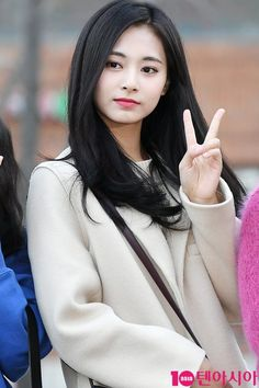 Twice As Nice, Twice Once, Kpop Girl Groups, Kpop Girls, Tzuyu Wallpaper, Tzuyu Twice, What Is Your Name, One In A Million, Asian Beauty