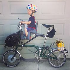 Bicicleta Brompton, Push Bikes, Folding Bicycle, Cycle Chic, Cargo Bike, Cool Bicycles, Bicycle Accessories, Mini Bike, Bicycle Design