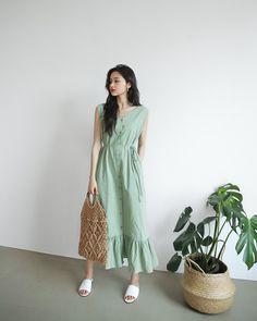 Korean Fashion Dress, Korea Fashion, Korean Outfits, Modest Fashion, Fashion Dresses, Lovely Dresses, Vintage Dresses, Korea Dress, Casual Dresses