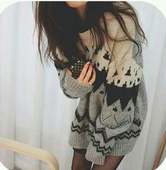 Big sweaters, I can pull off wearing this! Love being pregnant in the fall/winter months! Fashion Moda, Teen Fashion, Love Fashion, Korean Fashion, Fashion Outfits, Style Fashion, Baggy Pullover, Baggy Sweaters, Fall Sweaters