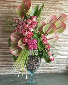 1 million+ Stunning Free Images to Use Anywhere Contemporary Flower Arrangements, Creative Flower Arrangements, Tropical Floral Arrangements, Church Flower Arrangements, Ikebana Arrangements, Beautiful Flower Arrangements, Floral Centerpieces, Tropical Flowers, Beautiful Flowers