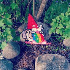 Always wanted a garden gnome, so I made one that pukes rainbows. #gardengnome #perler #pixelart #streetart #perlerbeads #gravityfalls #puke #barf #uå #umeå #chronsson #rainbow #shmebulock