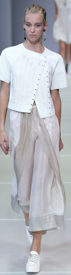 Giorgio Armani Collection Spring 2015. could be a version of Snap to It www.cuttinglinedesigns.com