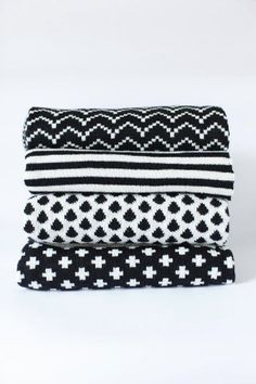 I love textures and blankets and these are best. Want them all (also black and white is always gorgeous)