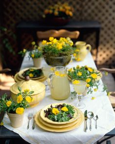 Beautiful table, I love this, but I think there might be dirt in the bowls. I'm not into potting soil soup, but the table is gorgeous! Dresser La Table, Yellow Table, Enchanted Home, Beautiful Table Settings, Table Arrangements, Flower Arrangements, Decoration Table, Dining Decor, Dining Room