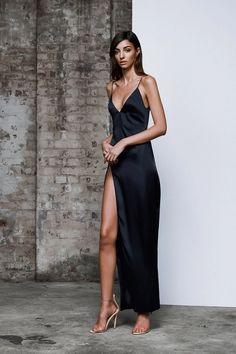 Evening Gowns Formal Dresses for Women Glitter Ball Gown – dearmshe Satin Dresses, Ball Dresses, Ball Gowns, Prom Dresses, Black Satin Dress, Evening Gowns Uk, Designer Evening Gowns, Dress Skirt, Dress Up