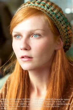 Kirsten Dunst as Mary Jane Watson in Spider-Man 2- love her hair color