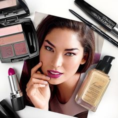 Pairing pink #AvonMakeup for our #fotd.