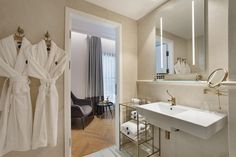 The Bistro, Famous Beaches, Fine Dining, Hotel Offers, Classic Style, Mirror, Furniture, Design, Home Decor