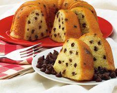Cake Moelleux au yaourt pomme et chocolat thermomix. Recette facile et rapide de cake Moelleux au yaourt pomme et pépites de chocolat.