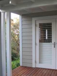 weatherboard colour scheme Dulux Oyster Linen for cladding and Aspen Snow for trim