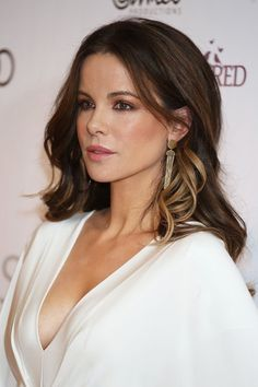 Kate Beckinsale in low cut dress
