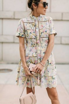 HelloFashionBlog: My favorites florals for spring and a few new accessories :)