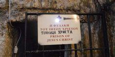 Βαδίζοντας στην οδό του μαρτυρίου: Από την φυλακή του Χριστού στον Πανάγιο Τάφο – Οι μαρτυρικές στιγμές στον Γολγοθά – Εικόνες και Βίντεο Prison, Jesus Christ, Cards Against Humanity