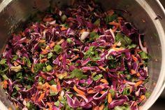 Veja a Deliciosa Receita de Salada de Repolho com Molho Picante. É uma Delícia! Confira!