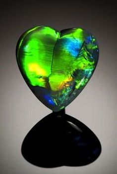 opal hearts | Heart-Shaped Black Opal