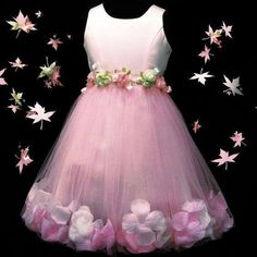 Very pretty dress apart from hem. Remove those flowers or replace with same as at the waist Frocks For Girls, Kids Frocks, Little Girl Dresses, Girls Dresses, Flower Girls, Flower Girl Dresses, Fashion Kids, Fairy Dress, Toddler Dress