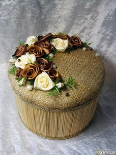 Купить Текстильные в Украине Twine Crafts, Diy And Crafts, Arts And Crafts, Simple Embroidery, Ribbon Embroidery, Crochet Beach Bags, Wrapped Wine Bottles, Paper Weaving, Ribbon Work