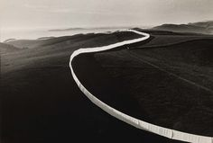 Christo and Jeanne-Claude Christo Running Fence, Sonoma and Marin Counties, California, Photo by Wolfgang Volz Land Art, Running Fence, Paris In October, Original Iphone Wallpaper, Christo And Jeanne Claude, Art Through The Ages, Ways Of Seeing, Environmental Art, Art Plastique