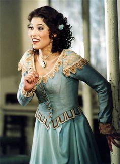 Vivica Genaux as Rosina in Rossini's The Barber of Seville. The Barber Of Seville, Singer Costumes, Mezzo Soprano, Fantasy Dress, Opera Singers, Fat Women, Country Singers, Classical Music, Vestidos