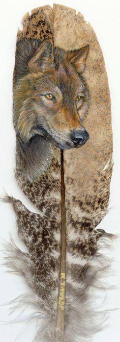 Wolf painting on feather. Looks like a Timber wolf(Canis lupus). Feather Painting, Feather Art, Tattoo Feather, Wolf Painting, Native Art, Native American Art, Street Art, Wolf Spirit, Tatoo Art