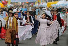 Perfil.com | Fotogaleria | Una multitud festeja la vigilia del Bicentenario en todo el país | Foto 11