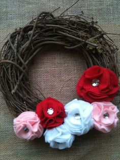Decorate your home with this cute DIY Valentine's wreath!