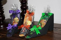 FREE SCUT2 WITCHES SHOE FAVOUR HALLOWEEN All Things Crafty and Delicious: Cut File - Box