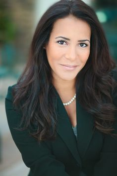 View all the best Orange County Business Headshots! The best headshot photos from Orange County and Los Angeles Headshot Photographer Light and Shine.