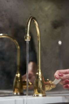 This miniature version of our instant hot tap dispenses up to 98 degree water instantly. Benefit from having instant hot technology in a compact form that is perfect for any traditionally styled kitchen. #perrinandrowe #polishedbrass #brasskitchens #brasstaps #luxurykitchens #luxurytaps #kitchendesignideas #interiordesign Water Tap, Vintage Kitchen Decor, Luxury Kitchens, Polished Brass, Benefit, Compact, Miniatures, Technology, Traditional